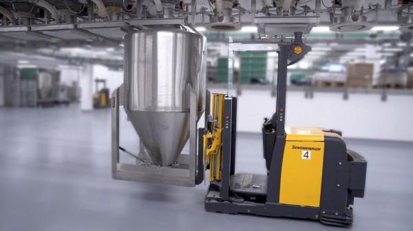 Supermoderní továrna Hügli Food v Německu